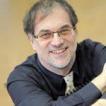 Helmut C. Jacobs fasziniert das Ungewöhnliche in Literatur und Musik. Foto: Frank Preuß/UDE